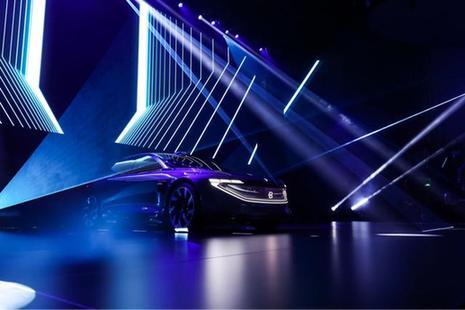 拜腾豪华轿车概念车全球首秀 冯长革讲述造车英雄梦