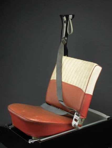 Volvo_s_three-point_safety_belt_at_the_Smithsonian_National_Museum_of