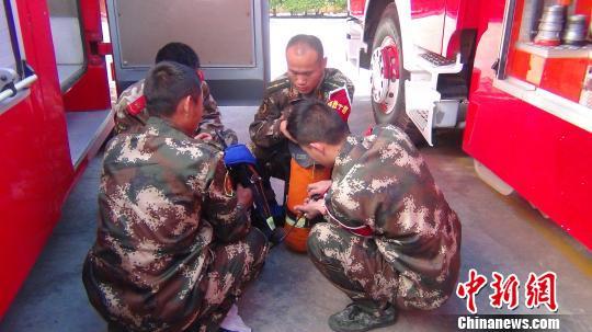 云南90后消防战士救援时牺牲关键时刻舍己救人