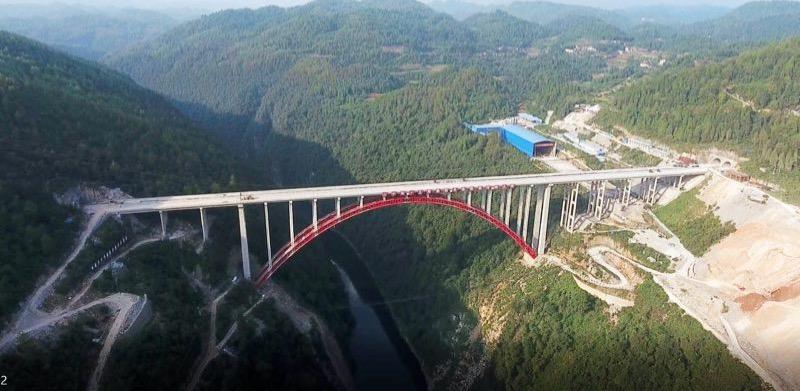 世界最高桥-湖南永吉高速猛洞河特大桥主体完工
