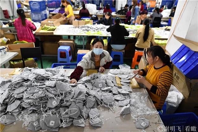 防霾口罩需求旺 企业日出货30万个