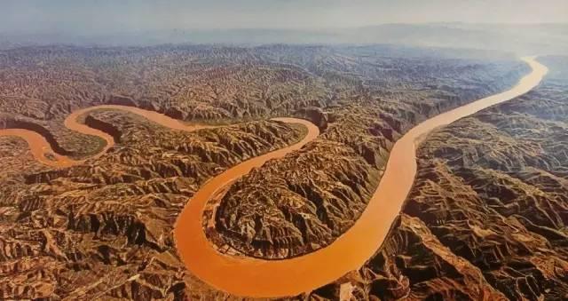 天下黄河第一湾   到陕北,不能不到延川;到延川,不能不到乾坤湾.