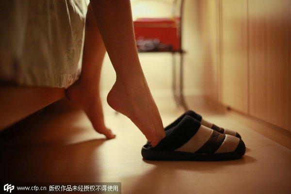 美媒揭中国模特行业内幕:拒陪富商哭着离开