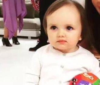 """英国最富""""小公主""""再炫富 1岁时已身价23亿英镑"""