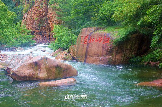 北九水迎最大水量 如画飞瀑引万人观赏(组图)