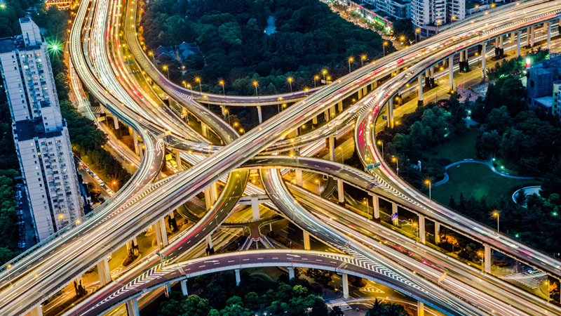 航拍上海延安路高架和南北高架交汇.-航拍立交桥 城市里的美丽 中国图片