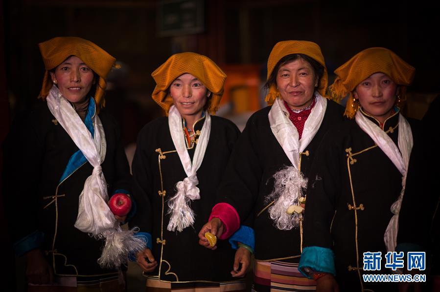 "(XHDW)(1)西藏迎来""仙女节"""