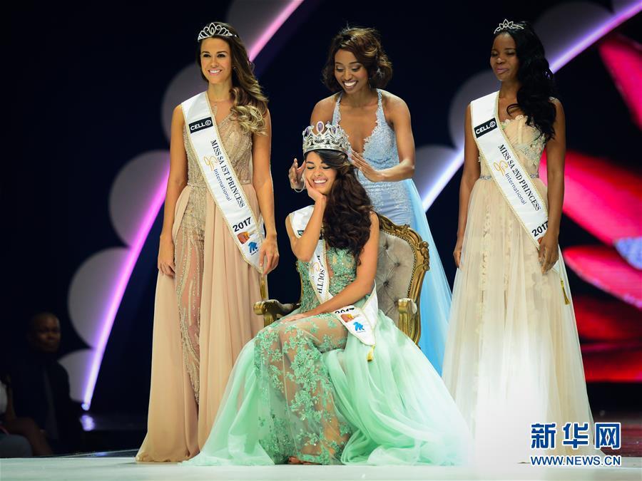 (国际)(2)21岁女孩当选2017年南非小姐