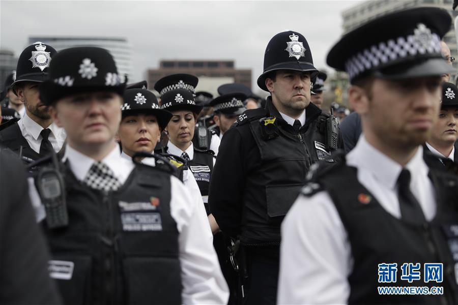 (外代一线)(1)伦敦为恐袭遇难者举行悼念活动