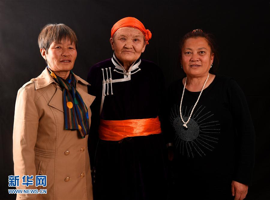 """(社会)(1)""""草原母亲""""都贵玛的老年生活"""