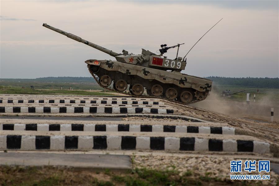 """(XHDW)(2)中国""""坦克两项""""代表队在俄首赛告捷"""