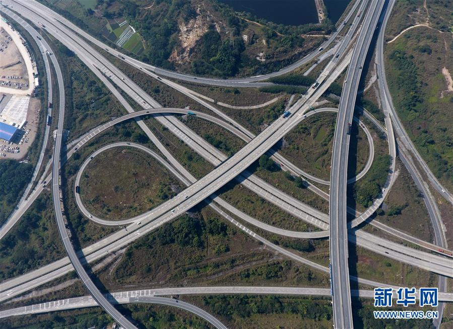 (年终报道)(1)广西加快交通路网建设助推全面小康