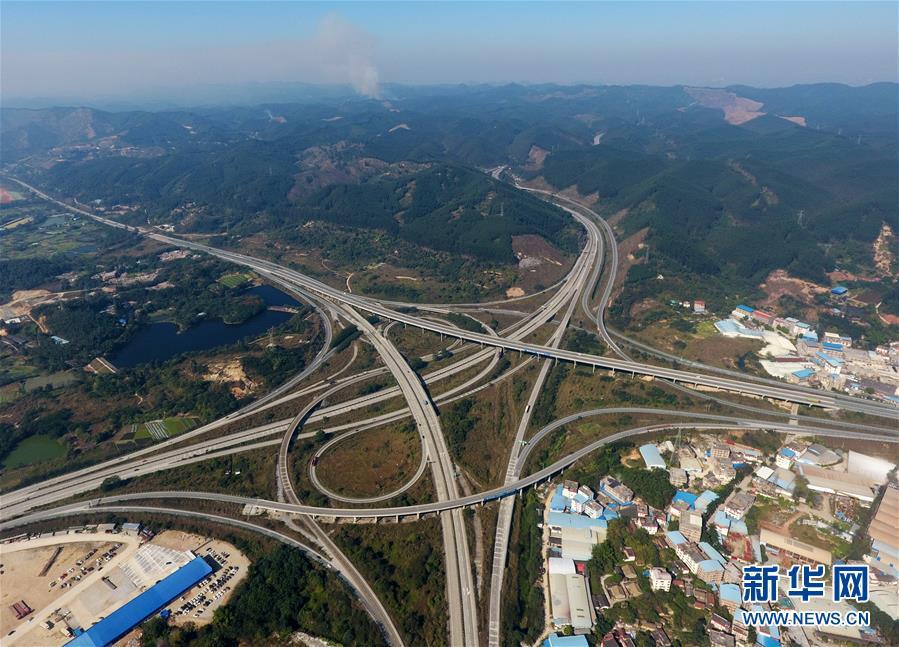 (年终报道)(2)广西加快交通路网建设助推全面小康