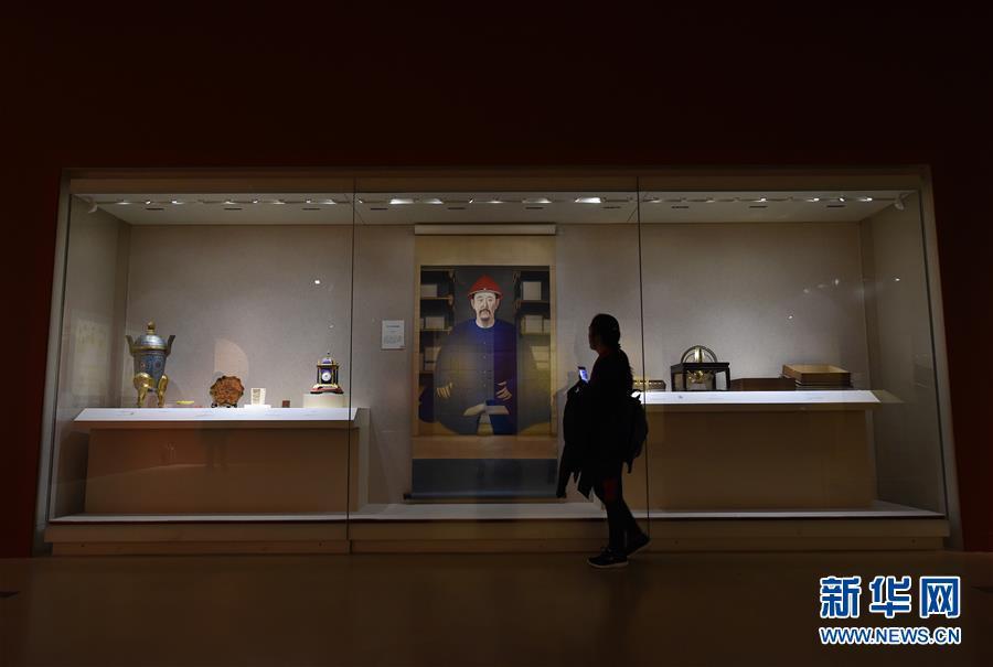 """(社会)(3)""""走进养心殿——大清的家国天下""""展览在南京博物院开幕"""