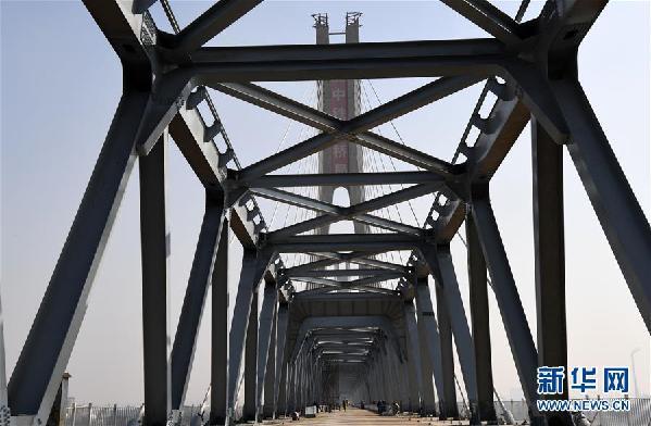 (经济)(4)蒙华铁路洞庭湖特大桥主桥工程进入收尾阶段