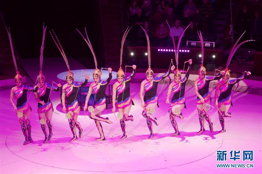 (国际)(1)中国杂技团获布达佩斯国际马戏节两项金奖