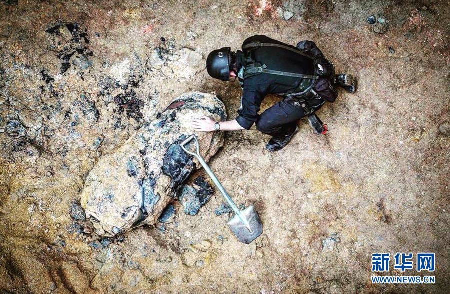 (图文互动)香港湾仔一地盘发现战时遗留炸弹 已疏散1300人