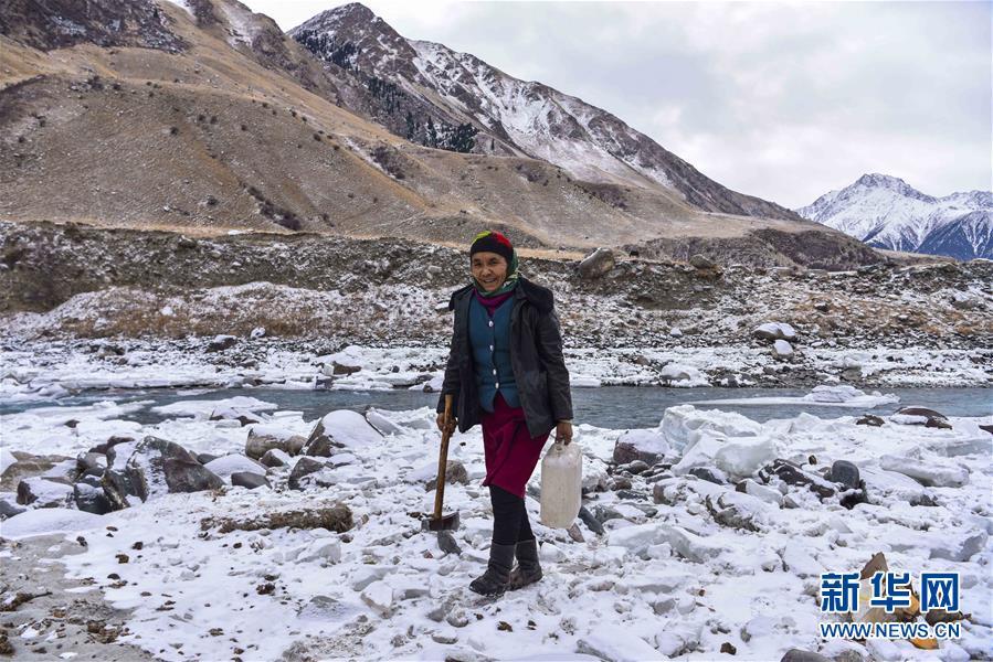 (图片故事)(2)走进天山深处的冬季牧场