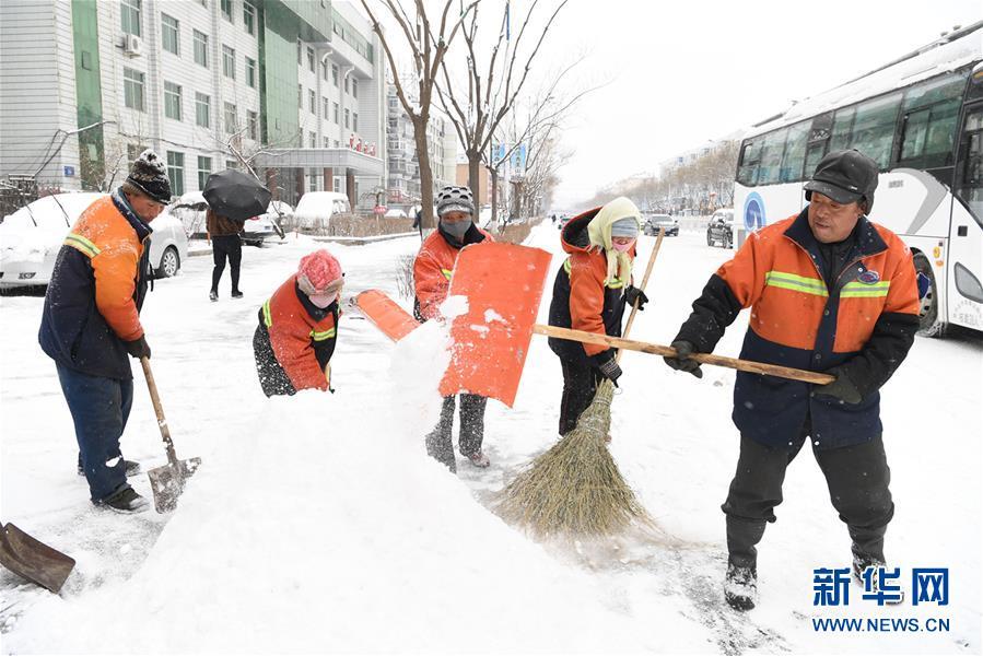 #(生态)(2)辽宁朝阳迎降雪