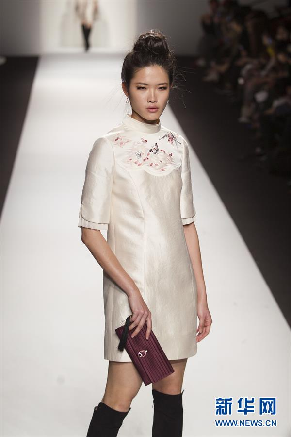 """(文化)(1)""""中国风""""元素闪耀上海时装周"""