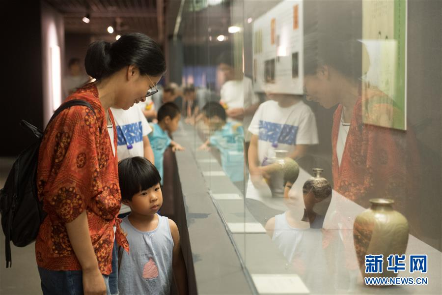 """(文化)(1)""""长物为伴·宋明文人之雅致生活""""展览在杭州举行"""