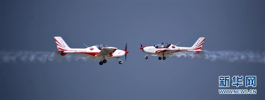 (社会)(1)飞行表演添彩法库国际飞行大会
