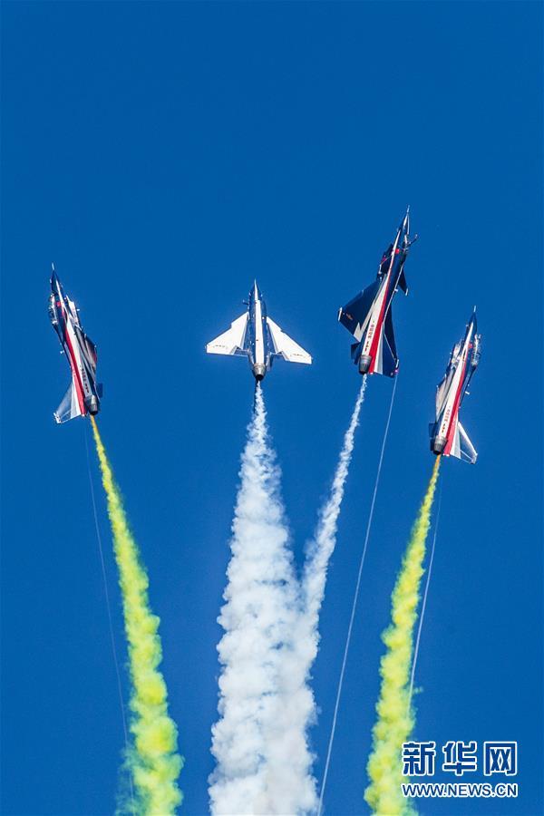 (国际)(3)八一飞行表演队在俄罗斯国际军事技术论坛精彩亮相