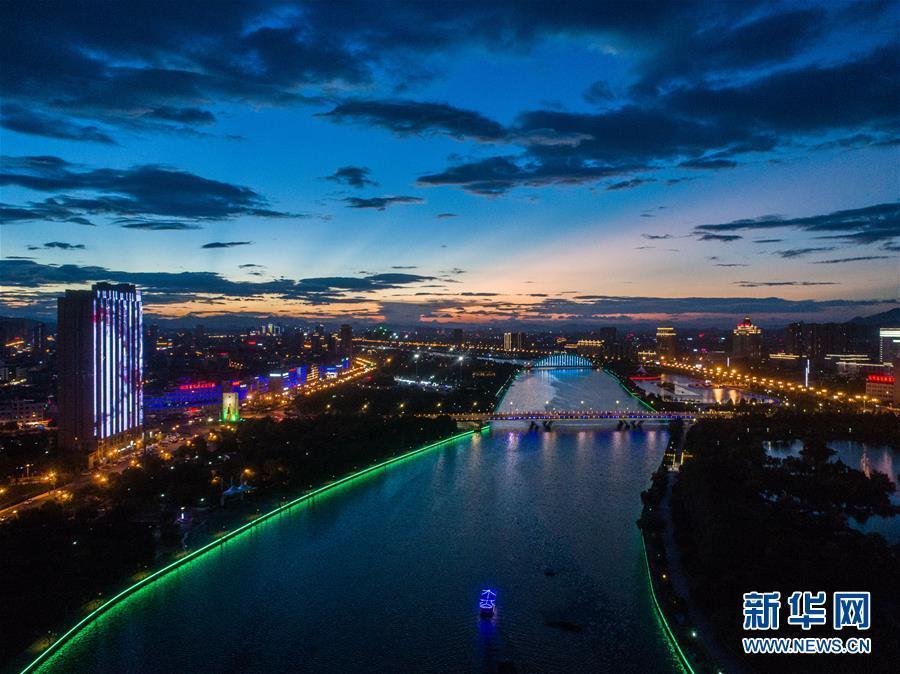 (美丽中国)(1)浙江东阳:扮靓城市夜景 打造城市新景观