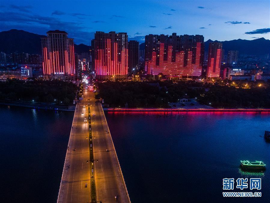 (美丽中国)(2)浙江东阳:扮靓城市夜景 打造城市新景观