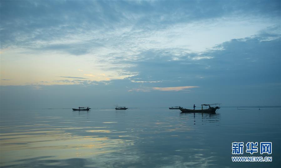 (经济)(2)湖州太湖渔民迎丰收