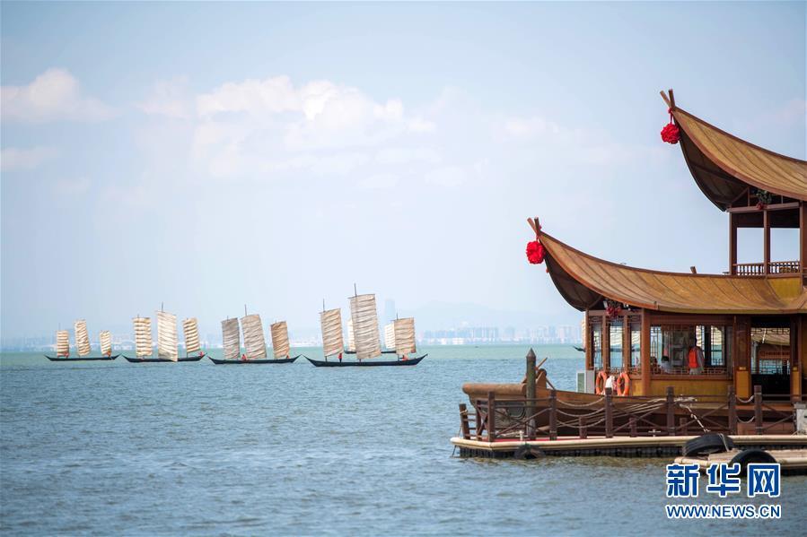 (经济)(2)云南滇池:开湖季 捕鱼忙