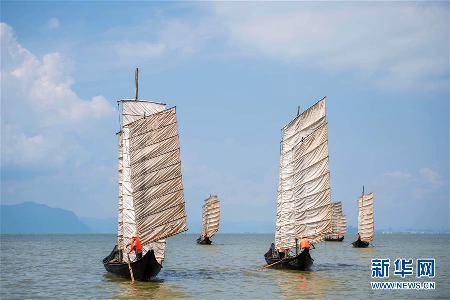 (经济)(3)云南滇池:开湖季 捕鱼忙