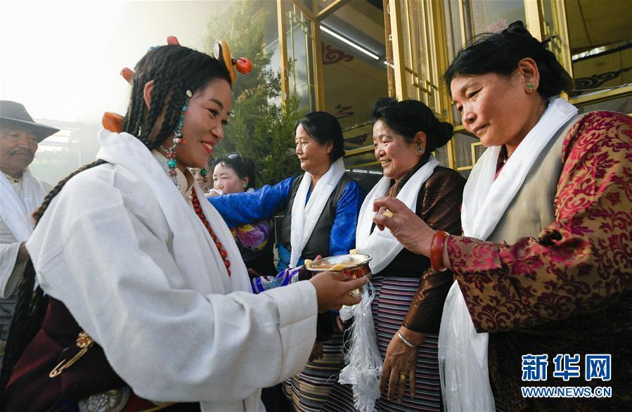 (文化)(3)国庆节期间的藏式婚礼