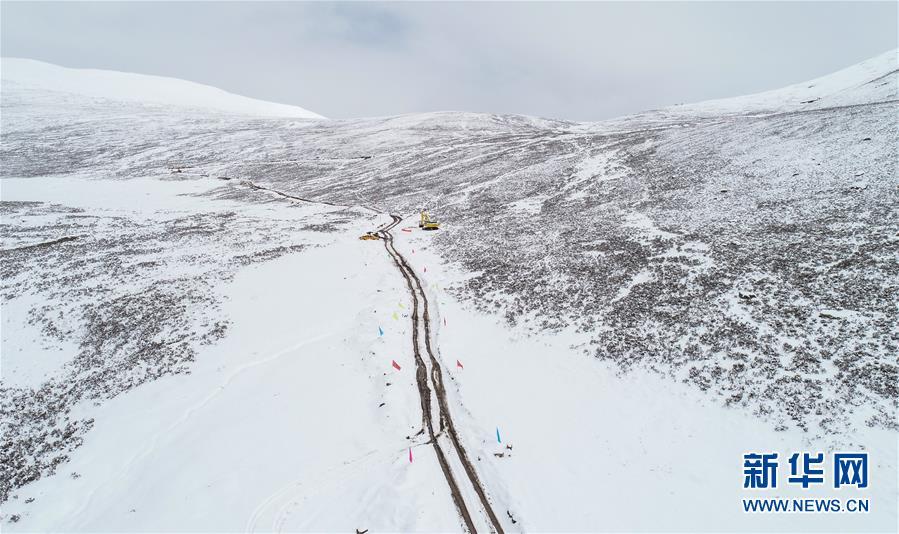 (图文互动)(1)西藏山体滑坡抢险救灾便道修通