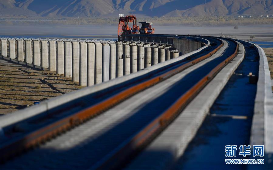 (经济)(6)川藏铁路拉林段正式进入铺轨阶段