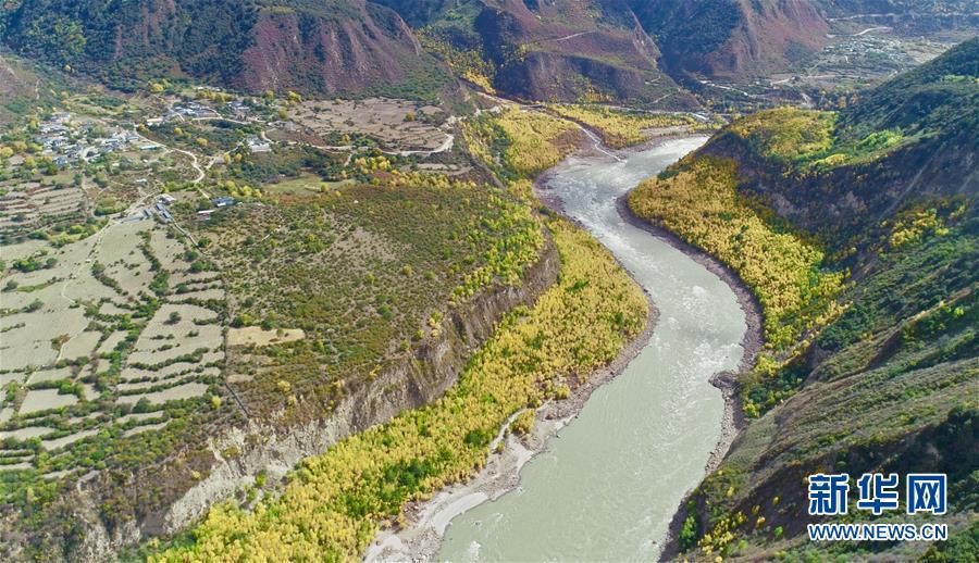 (社会)(4)雅鲁藏布江堰塞湖河段基本恢复正常过流