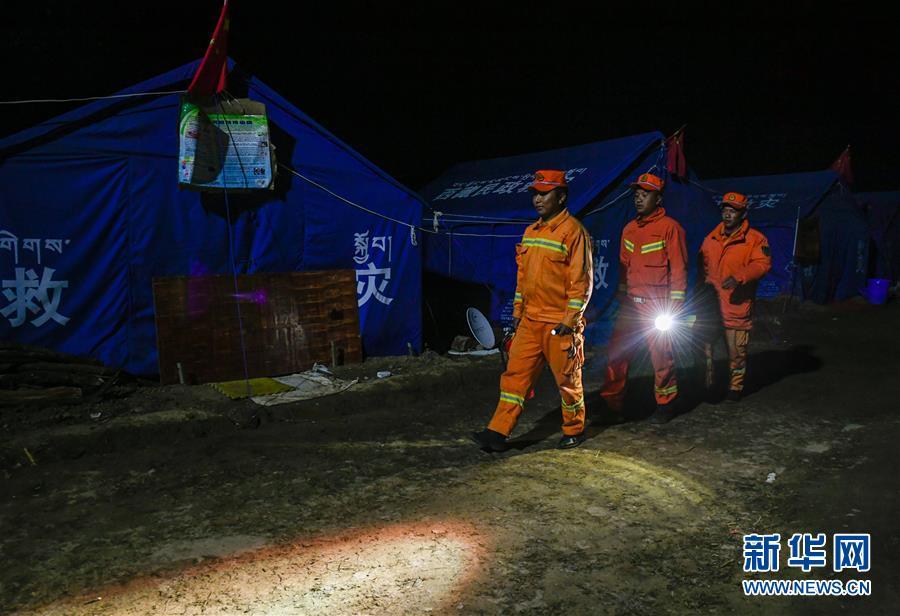 (图文互动)(7)生活物资供应充足 群众安全有保障——西藏金沙江堰塞湖安置点见闻