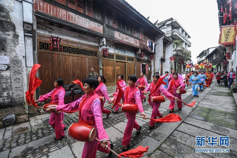 (社會)(1)古鎮傳統廟會助推鄉村旅游
