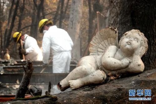 (国际)(1)山火肆虐后的天堂镇