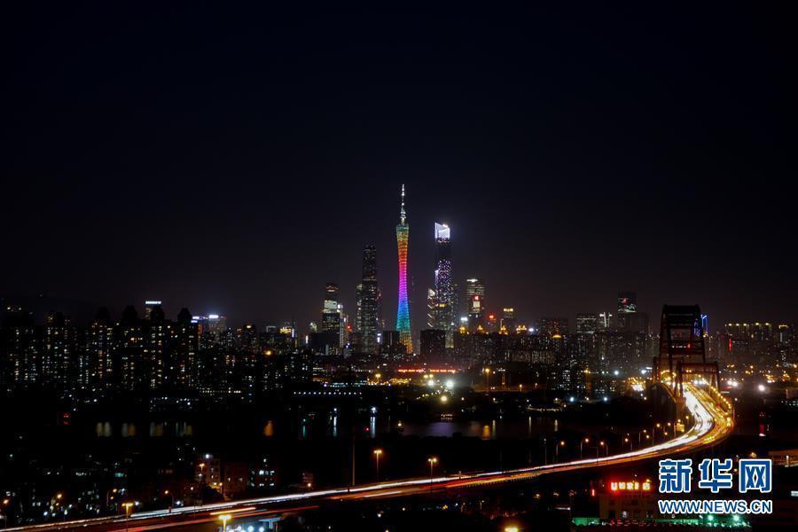 (在习近平新时代中国特色社会主义思想指引下·庆祝改革开放40周年·开放发展)(新华全媒头条·图文互动)(1)开放中国:大门越开越大 道路越走越宽