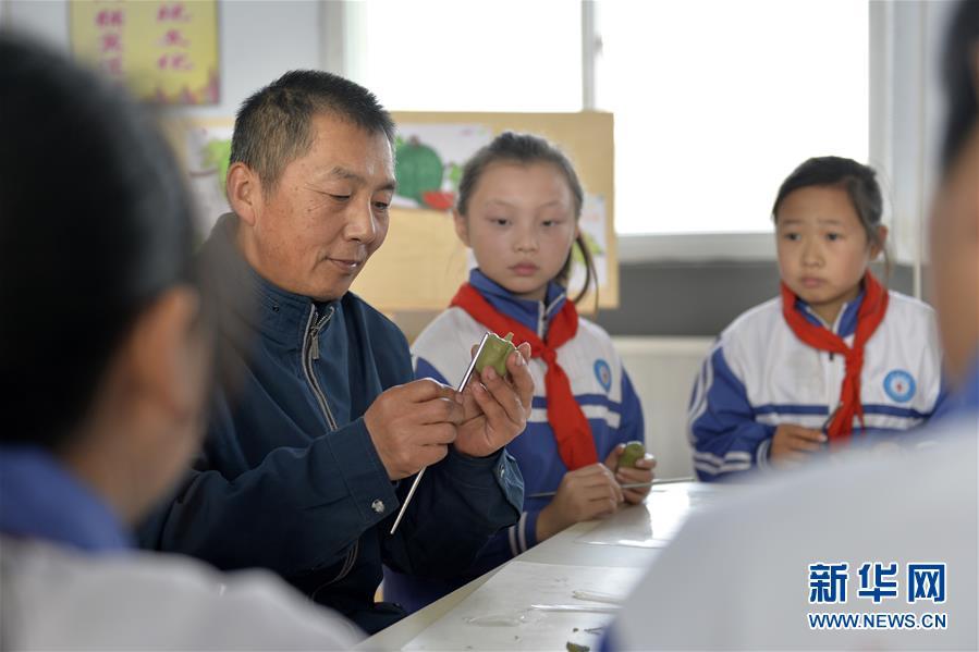 #(社會)(1)面塑技藝進校園 傳承傳統文化