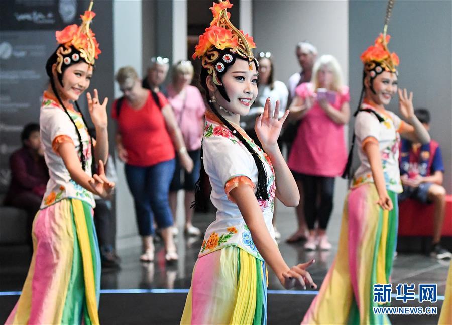 (国际)(1)中国兵马俑展正式向新西兰公众开放