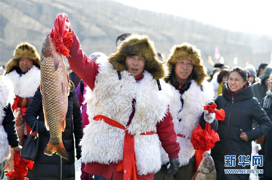 #(社会)(4)查干湖冬捕技艺在呼和浩特上演