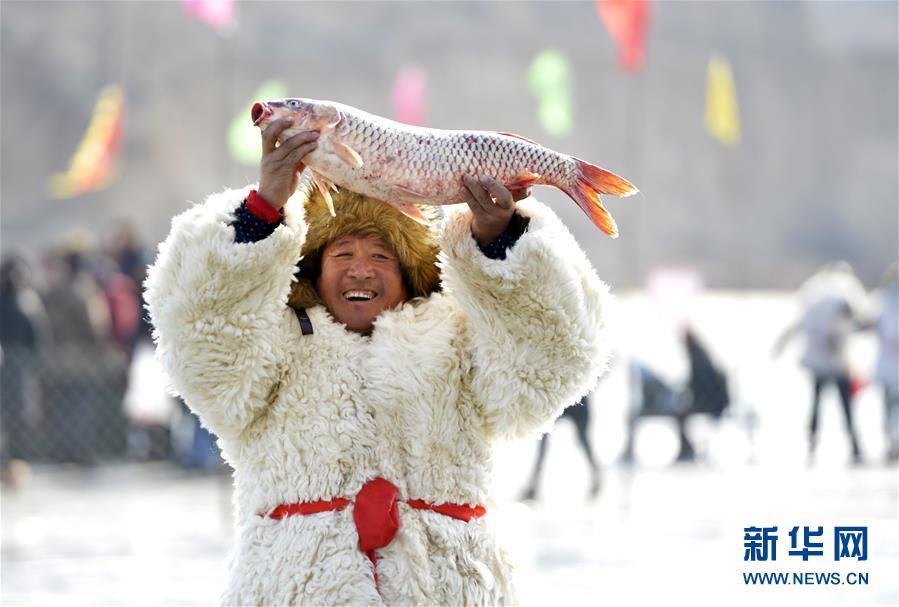 #(社会)(7)查干湖冬捕技艺在呼和浩特上演