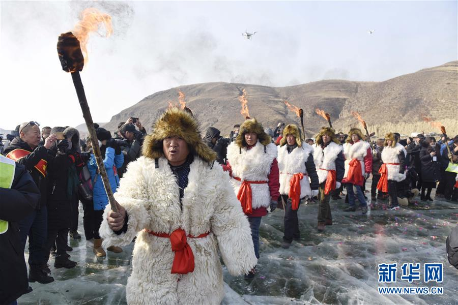 #(社会)(8)查干湖冬捕技艺在呼和浩特上演