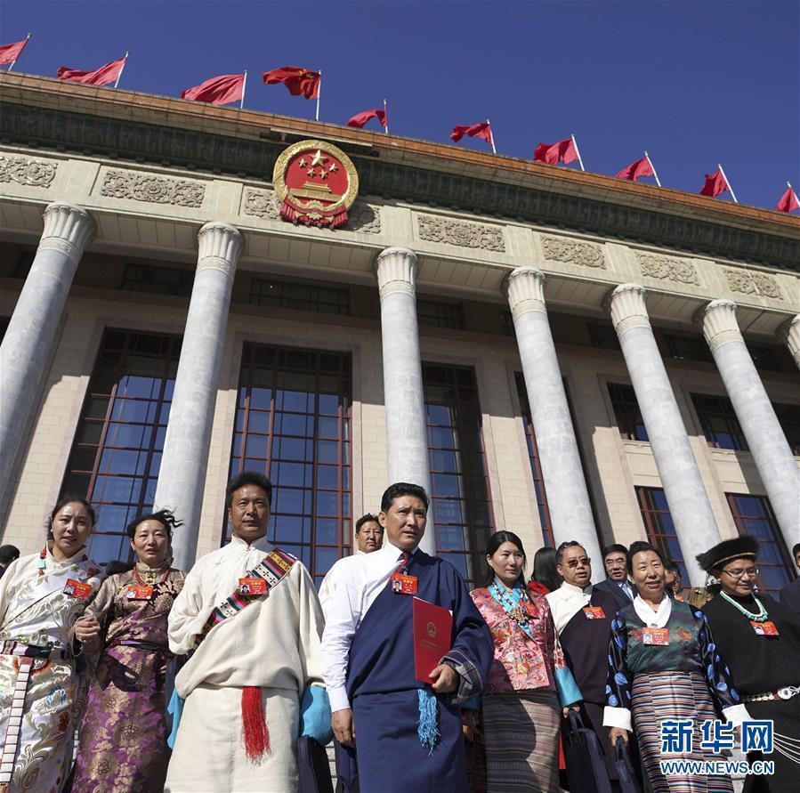 (新华全媒头条·图文互动)(1)2019——春天里的中国两会故事