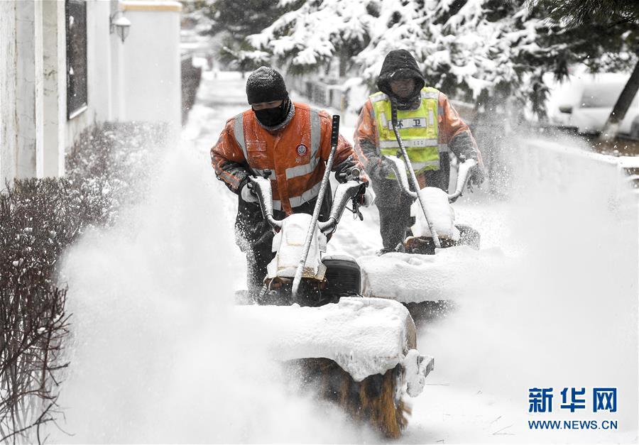 (社会)(1)吉林长春:积极应对风雪考验