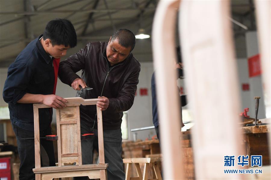 (社会)(1)安徽休宁:木工职教 匠心传承