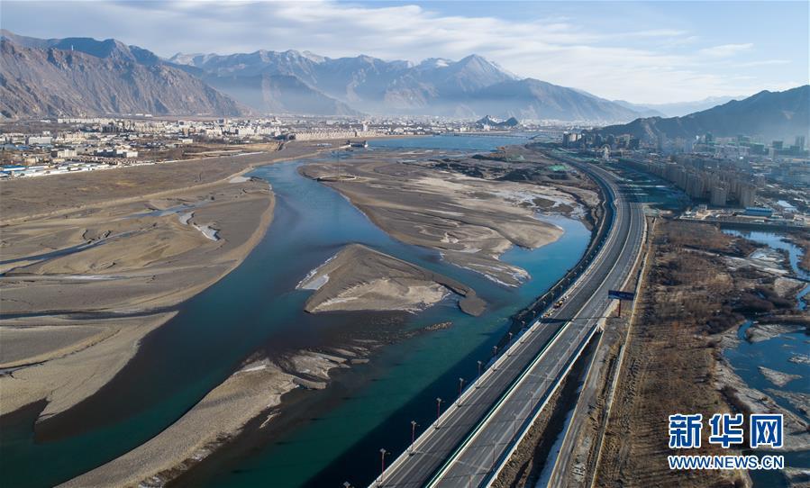 (西藏民主改革60周年)(1)今日西藏:立体交通——世界屋脊变坦途