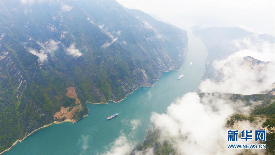 (环境)(1)云雾缭绕瞿塘峡